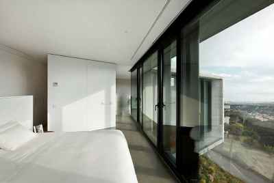 Amazing modern 5 bedroom house in a suburb of Barcelona